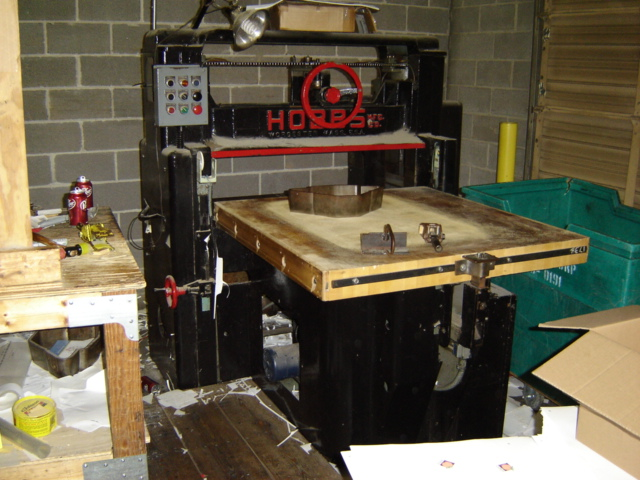 HOBBS AUTOTRONIC ENVELOPE DIE CUTTING PRESS